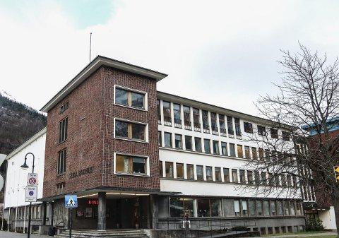 Løn: Ullensvang kommune har 93 leiarar, tilsett på ulike nivå. Rådmannen i Ullensvang kommune har løn på 1 285 100 kroner, medan resten av rådmannen si leiargruppe har løn i spennet 865 000 — 1 150 000 kroner.foto: Eivind Dahle Sjåstad