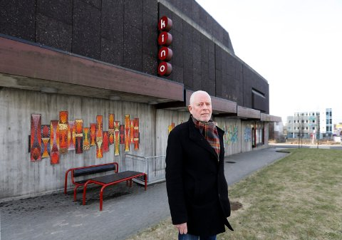 PÅ FLYTTEFOT: Odd Fossan-Waage vil flytte Amandastatuen og  Walk of Fame til Edda Kino