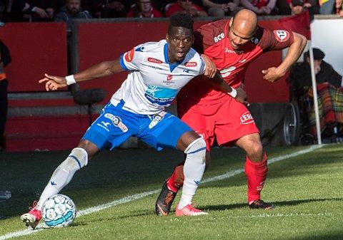 FORRIGE MØTE: Det ble 1-1 da Brann og FKH møttes i Bergen i mai. Her er David Akintola og Daniel Braaten.