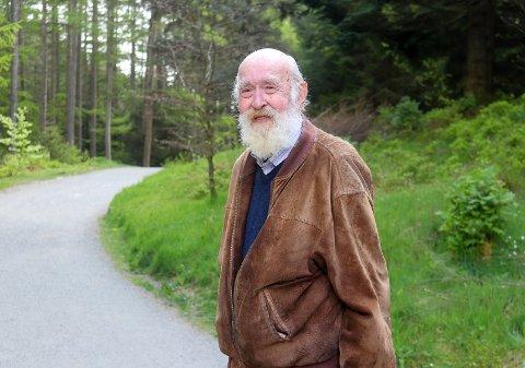 PÅ STIEN: Kolbein Falkeid i Djupadalen sommeren 2020.