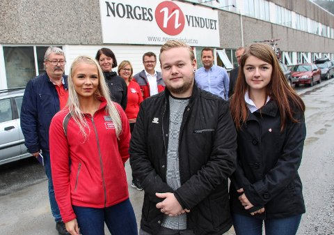 Anna-Lovise Hofstad (t.v) Jonas Stabbforsmo og Malin  Kvannli