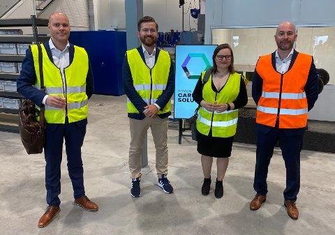 OFFISIELL ÅPNING: Espen Isaksen, Sveinung Rotevatn, Ida Marie Larsen og Finn Blydt-Svendsen fra BCS deltok alle på markeringen fredag.