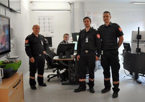 VENTER PÅ SVAR: De ansatte ved 110-sentralen i Hammerfest vet fortsatt ikke når de må pakke sammen og flytte til Kirkenes.