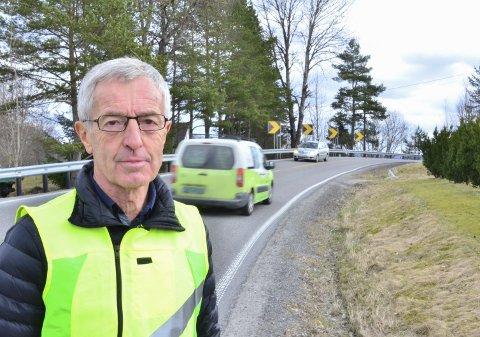 Fornøyd: Leder Halvard Moe i Momoen Vel er fornøyd med at det endelig ser ut til å bli fortgang i gangveiprosjektet fra Momoen til Elverhøy.Foto: Øyvind Henningsen
