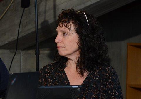 Hilde Enstad (Ap) og partiet hennar ønskjer at kommunen skal ta tilbake dei private barnehagane, og beklaga at tidspunktet for kjøp av Akasia Valen barnehage er feil per no.