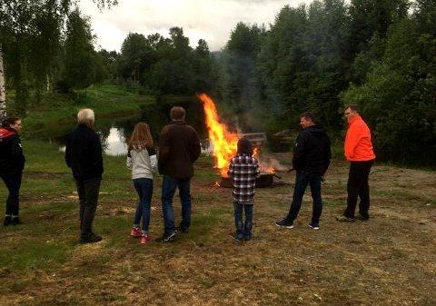 MARKERING: Svenefolk feiret med St. Hans-bål ved Solvoll i fjor.