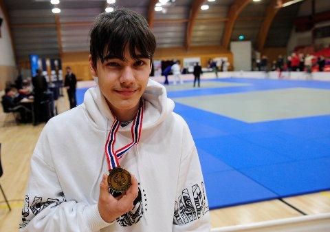 COMEBACK: Etter noen år på sidelinjen, startet Gabriel Tomas Tetlie Andersson med judo igjen for noen uker siden. Og lørdag tok han bronse på hjemmebane under 830 cup i klassen U18 -66 kilo.