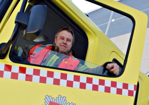 """ARRANGERER ÅPEN DAG: Jørn Hjalland, brannsjef i Rollag brannvesen håper mange tar turen til brannstasjonene rundt om i distriktet for å lære mer om brannsikkerhet på """"åpen dag"""" lørdag 21. september."""