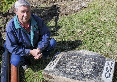 SOLID: Steinen er solid og tung. – Vi regner med at den er et resultat av at noen har slettet et gravsted, sier Tom Gulbrandsen.