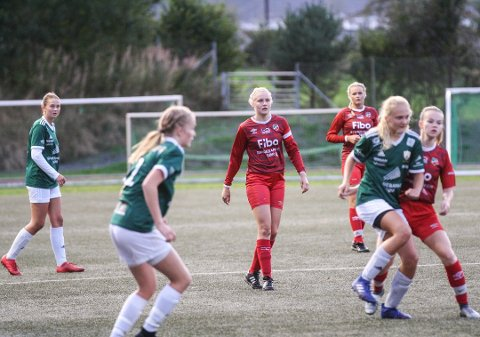 NUMMER TO: Det var bare Randesund som var bedre enn jente 19-laget til Lyngdal denne høstserien.