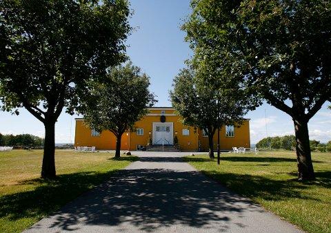 JELØY RADIO: Her, på Hotel Jeløy Radio, skal regjeringsforhandlingene foregå.