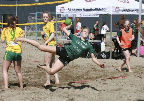 Trivdes: Ine Grimsrud ga jernet for Son Håndballklubb under helgens sportsbegivenhet.