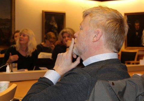 Jørn Wille, Høyre.
