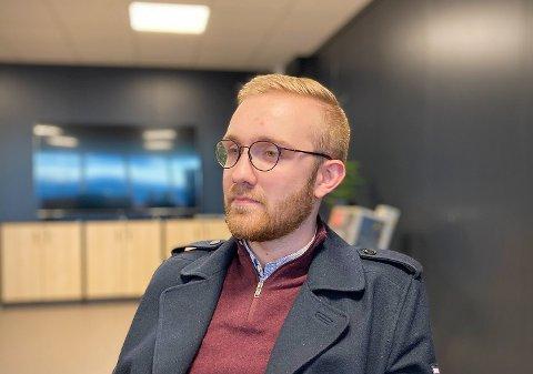 STORE KONTRASTER: Christian Arstein studerer i Bergen, og han har opplevd koronaens umilde sider. – Her hjemme er det et helt annet syn på pandemien.