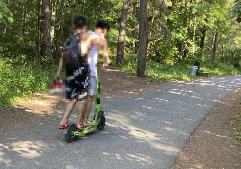 IKKE LOV: Det er ikke tillat å kjøre mer enn én person på en elsparkesykkel. Illustrasjonsbilde