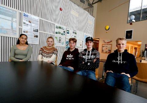 Fra venstre: Isabel Sagdalen, Ida Dypdalen, Leander Killi Haugen, Lars Marstein Hagen og Even Viken.