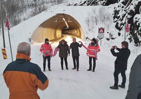 KLIPPET SNORA: Fylkesråd for samferdsel og miljø Ivar B. Prestbakmo (Sp) sto for den offisielle åpningen fredag.