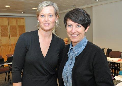 Komitéleder Kjersti Bjørnstad (t.v.) og fylkesvaraordfører Aud Hove er tilfreds med hvordan kommunene har svart opp bredbåndsstrategien i Oppland.