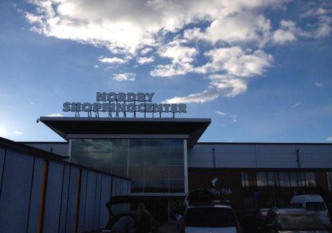 Nordby shoppingcenter jobber for å få Systemboliget til seg. (Foto: Birgitte Henriksen)