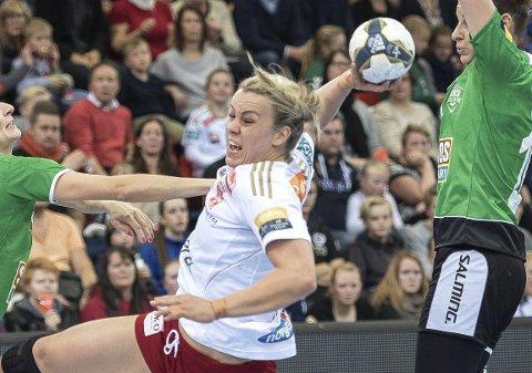 COMEBACK: Isabel Blanco scoret ett mål da Molde tapte 24-31 for Sola søndag. 36-åringen skal forsøke å hjelpe Molde til å berge plassen i eliteserien.