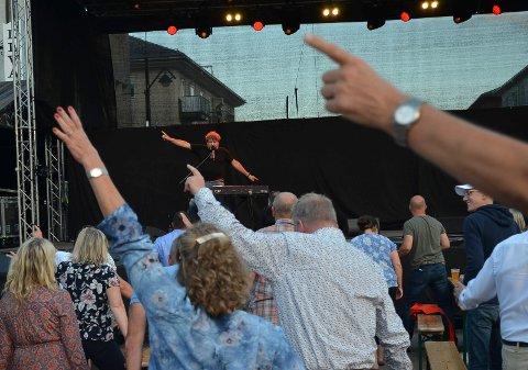 I GODT SLAG: Bjarne Brøndbo var i godt slag og hadde publikum med seg.