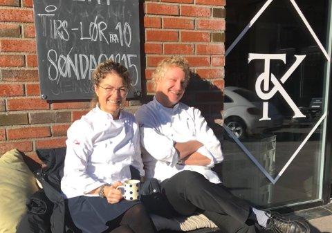 GRØNNE TALL OG VEKST: Linn Mjelde og Kim Wiuff i Tjøme Kolonial har all grunn til å smile.