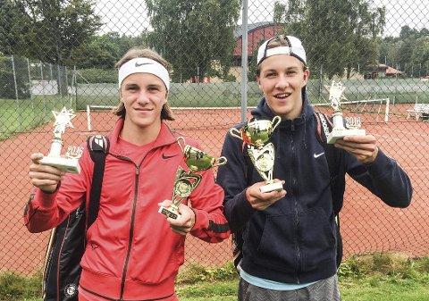 1. og 3. plass: Birk og Brage Gulbrandsen vant dobbelturneringen i U16-klassen og delte 3. plassen i singelturneringen, da regionsmesterskapet ble arrangert i Sandefjord.