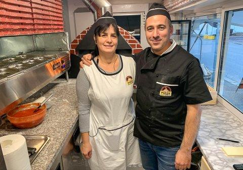 Viorel Lupsa og kona Mihaela Mogosan åpnet Black & White Pizza på Vestsida 18. november.