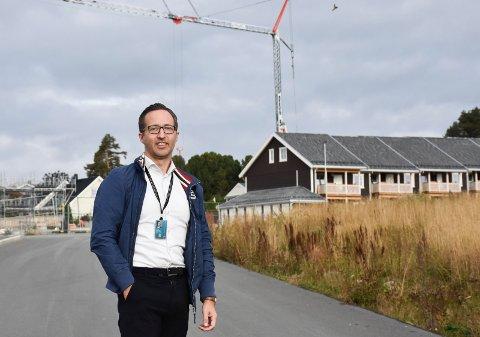 GODT KJENT: Eiendomsmegler Helge Hågensen i DNB er godt kjent med boligmarkedet i Ringsaker.