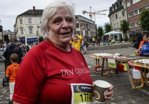 Når man blir 66, ja, da tar livet til ... Jorunn Larsen lever opp til Wenche Myhres sang, og skal løpe halvmaraton i Oslo til høsten.