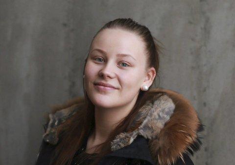 Ung mor: Anette Haukedalen (20) ble gravid  i tenårene, men mestrer morsrollen godt. God morsdag!