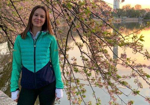 WASHINGTON: Mari Strømmen-Olsen jobber for Ringerike kommune, men har hjemmekontoret sitt i USA.