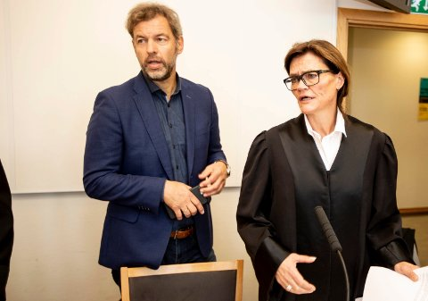 Avviser: Hall-leverandør O.B Wiik på Skedsmokorset mener deres tidligere direktør Lars Dalgaard var illojal og planla opprettelse av sin nye bedrift Hallgruppen under oppsigelsestiden. Dalgaard og hans advokat Anne Marie Due avviser beskyldningene.