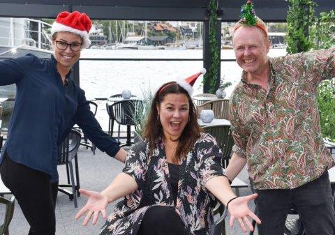 AVLYSER IKKE:– Vi avlyser ikke julebordshowene på Pir4, men gjør justeringer, sier Dorina Eldøy-Iversen. Simon Andersen og Frida Helgesson er også med på bildet. FOTO: Vibeke Bjerkaas