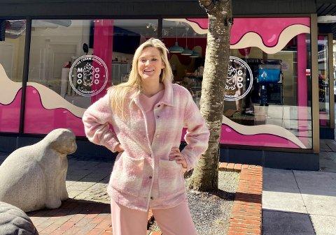 Edle Kathrine Strømland Torkelsen søker en ny medarbeider til Sandnes Sentrum AS.