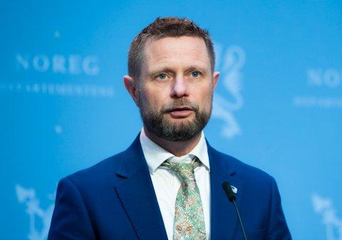 Helse- og omsorgsminister Bent Høie under dagens pressekonferanse om vaksinering.
