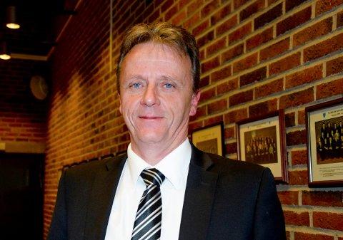 Utvalgsleder Per Øivind Falkenberg Krog hevder han ble truet av Bjørn Borgund til å trekke saken.