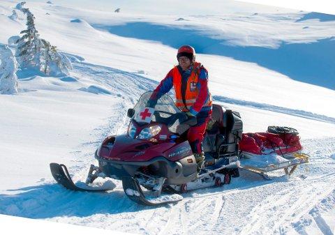 SKREDFARE: Røde kors hjelpekorps' Tor Flesseberg mener folk må bruke fjellet, men holde seg der det er oppkjørte løyper.
