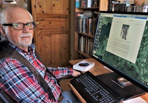 """TIL HEDDAL: Forfatteren Tor Bertel Løvgren tar oss med  tilbake til 1155-56 og en kongeflukt gjennom Heddal. Boka """"Bueskytteren"""" er den andre i en trilogi av romaner hentet fra middelalderen."""