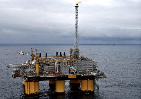 Åsgard-feltet i Norskehavet har på de 20 årene det har vært i drift, skapt verdier for ufattelige 1.000 milliarder kroner. Her Åsgard B som prosesserer gass som sendes via Åsgard Transport til Kårstø i Rogaland.