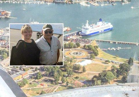 UTSIKT: Tina Kristin Tveit og Per Osmund Tveit tok turen fra Risør for å se Vestfold fra luften.