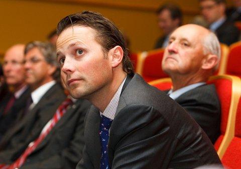 MEDEIER: Wilh. Wilhelmsen-konsernsjef Thomas Wilhelmsen (foran) sitter i styret for Wallenius Wilhelmsen ASA. Bak til høyre hans far, skipsreder Wilhelm Wilhelmsen.