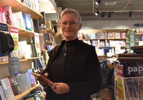 STORT SAVN: – hvis jeg handler bøker, så er det her jeg handler dem. Det blir et stort savn å miste Norli, forteller Eva Jeanette Kristiansen.