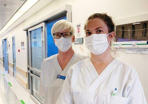 Intensivsykepleierne Torhild Fjellestad og Nina Pettersen er hentet inn fra nabosykehuset for å hjelpe til på Sykehuset i Vestfold.
