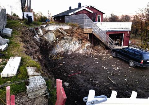 GRAVD UT: Eier av Breivangvegen 10 A, motsetter seg at naboen skal etablere parkeringsplass her. Han mener inngrepet er ulovlig.