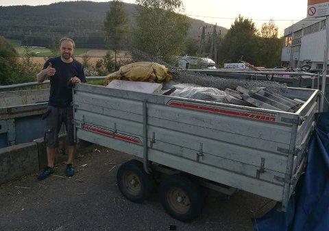 MYEÅHENTE:Anders Nermoen fortsetter ufortrødent med å plukke søppel langs Nitelva.