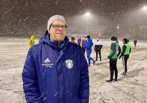 TRENERVEILEDER: Rune Norgaard er ikke bare trener for Risørs A-lag, men han har også ansvaret for å følge opp klubbens trenere.