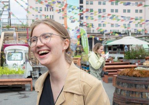«STYGT OG SLITSOMT»: Grønn Ungdoms nasjonale talsperson Hulda Holtvedt mener det er «stygt og slitsomt» med så mange biler i Oslo.
