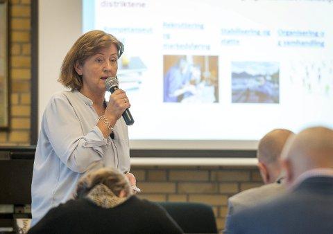 Grundig: Kommunalsjef Kristin Eide orientert og svarte på spørsmål ifra kommunestyret i til sammen to timer.