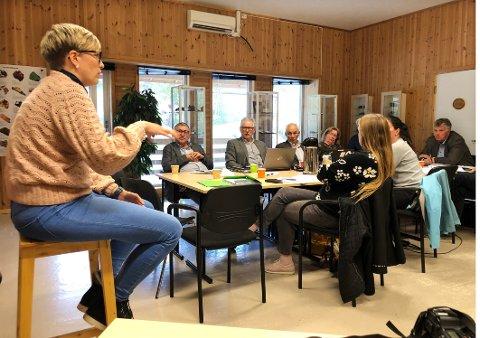 Orienterte: Kommuneoverlege Elisabeth Richter i Hamarøy orienterte fellesnemnda for nye Hamarøy om hvordan legetjenesten skal organiseres framover.